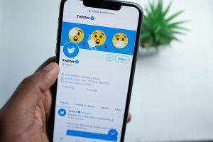 Emojis Vox y sus locuras en la red social